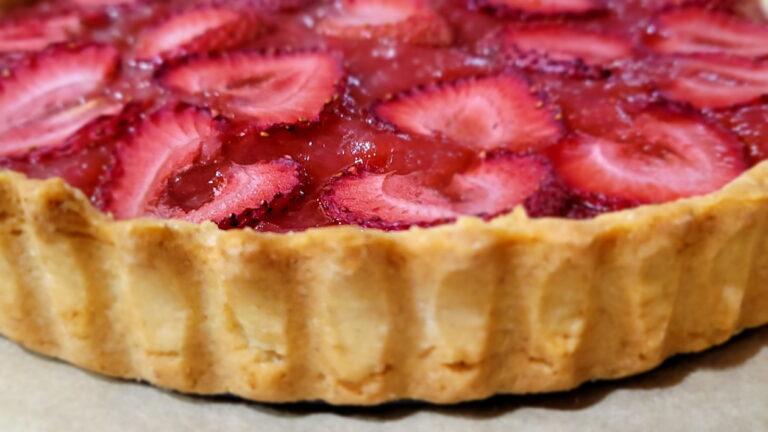 Strawberry Rhubarb Tart with Sweet Crust